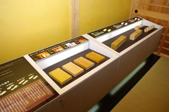 木材などの奉行所建築に使用された部材の展示。